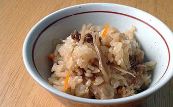 牛肉とごぼうの炊き込みご飯